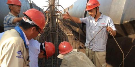 Chinese Citizens at work during the construction of the SGR