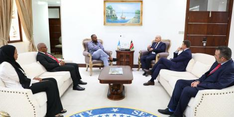 Mombasa Governor Hassan Joho hosting a foreign delegation in his office