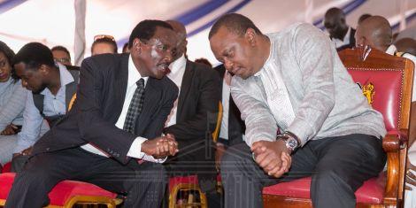 President Uhuru Kenyatta (right) with Wiper leader kalonzo Musyoka during Musyoka's father's funeral in Mwingi on November 9, 2018.