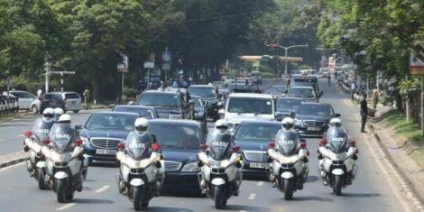 Man Blocks Uhuru's Motorcade, Demands Job - Kenyans.co.ke